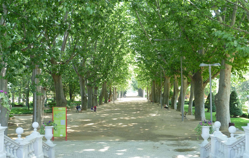 Parque de los campos el seos sorigu for Jardines eliseos